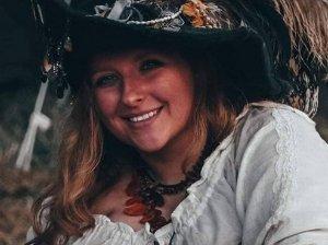 Melody Durmoll - Sängerin